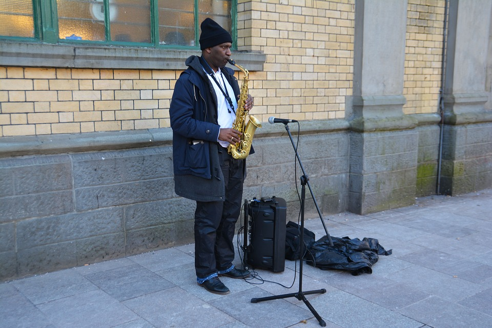 Busking: The Right Way Vs. The Wrong Way For Street Performers